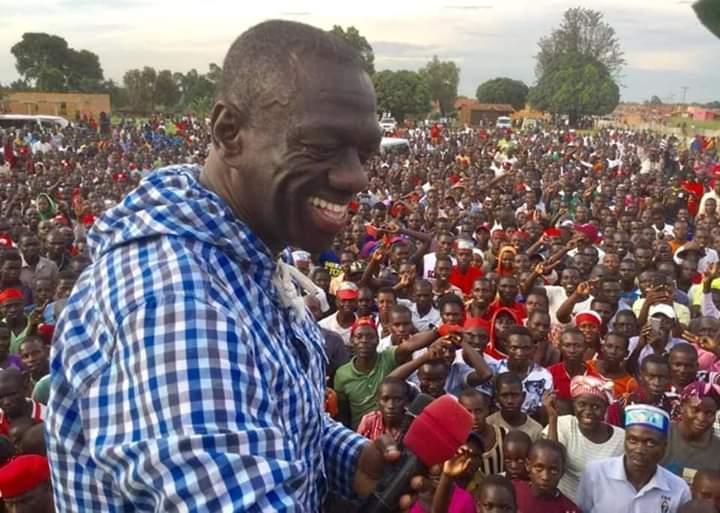 Besigye during the Nyakato Asinas`s rally in Hoima
